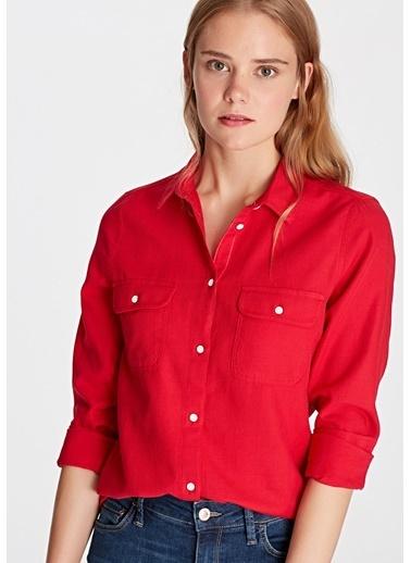 Mavi Cepli Gömlek Kırmızı